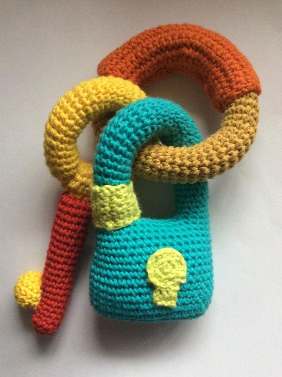 juguete bebé hecho a mano